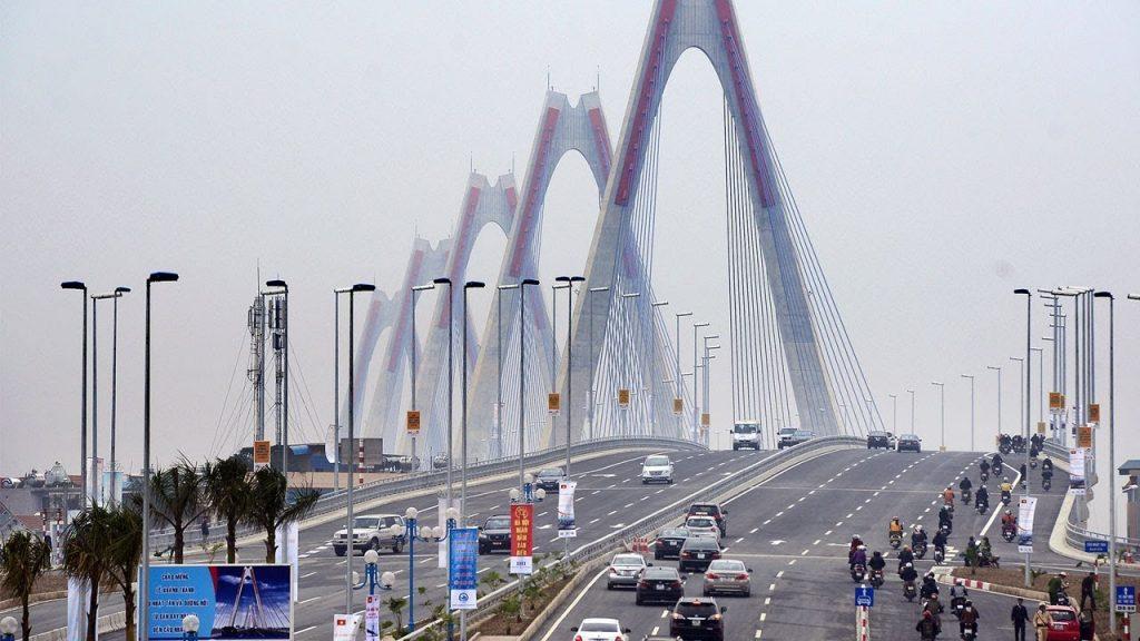 Cầu Nhật Tân cấm xe máy không?