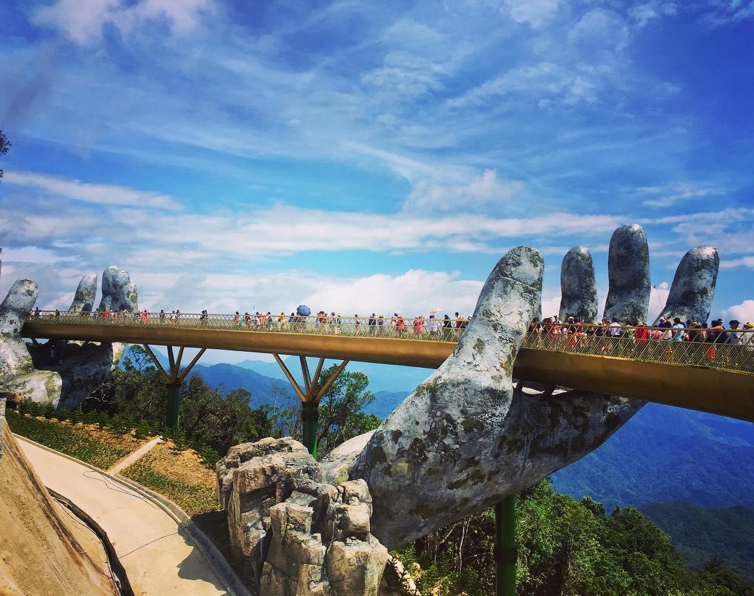 Tìm hiểu về Cầu Vàng Đà Nẵng- điểm đến du lịch lý tưởng