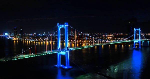 cầu sông hàn quay lúc mấy giờ