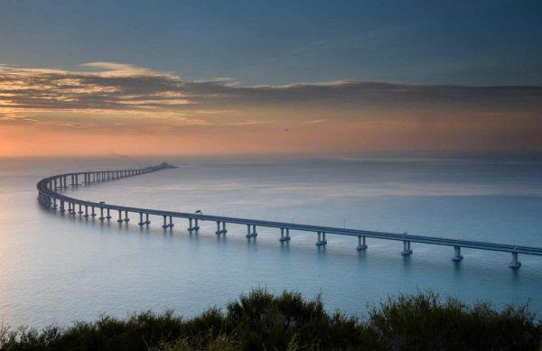 cây cầu vượt biển dài nhất thế giới