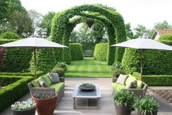 Nhà đẹp sân vườn rộng