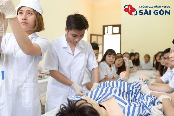 Cao đẳng Dược Sài Gòn lấy bao nhiêu điểm 2021?