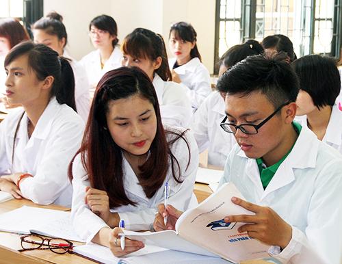 Có nên học Cao đẳng Dược không?
